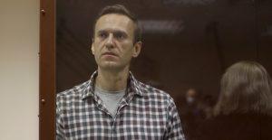 Rusia rechaza las sanciones de EU y la UE por la persecución de Navalny
