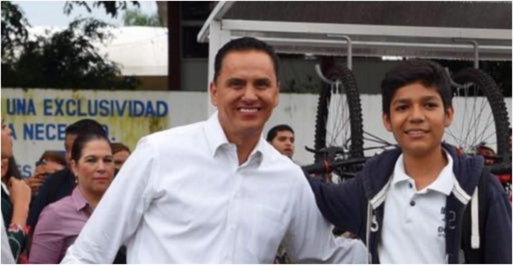"""Esposa del exgobernador de Nayarit, Roberto Sandoval, pide a AMLO detener la """"persecución política"""" contra su familia"""