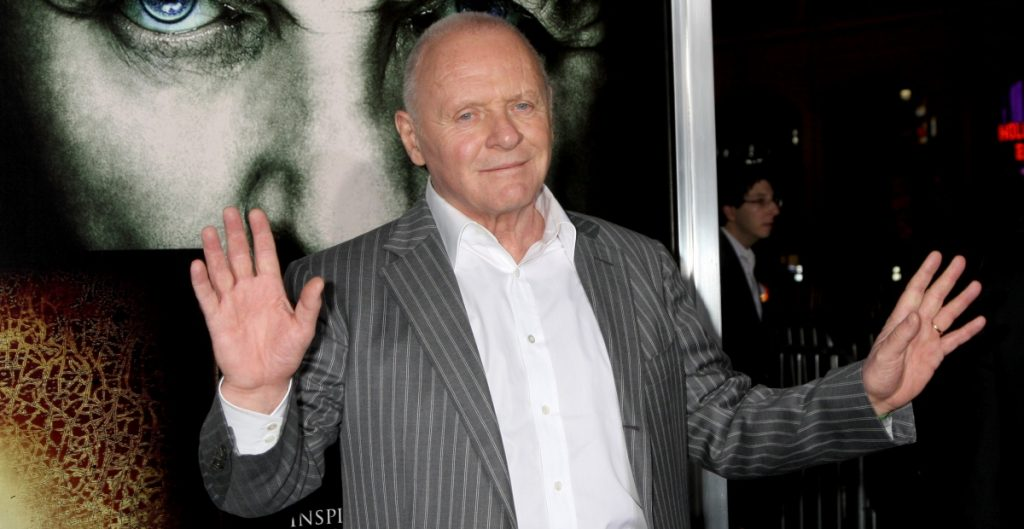 """Soy colombiano"", dice Antony Hopkins bailando merengue"