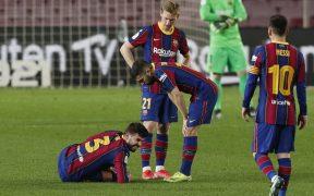 Gerard Piqué se lesionó el ligamento de la rodilla derecha ante Sevilla. Foto: Reuters