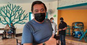 Félix Salgado, entre susurros, dice que esperará resultado de encuesta