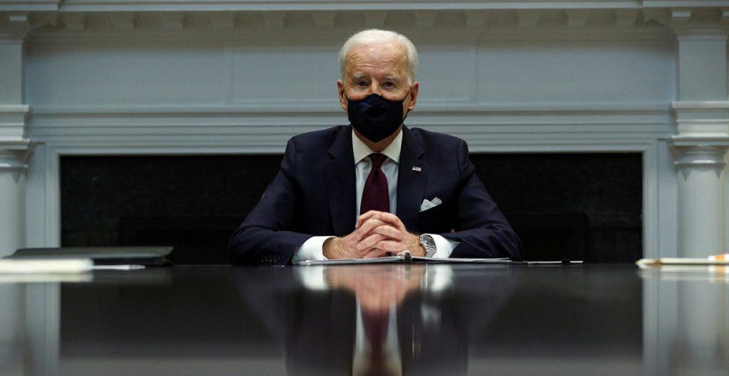"""Biden dice que ganancias laborales """"van demasiado lentas""""; urge a aprobar paquete de ayuda"""