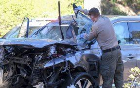 Tiger Woods volcó su camioneta en Los Ángeles. Foto: AP