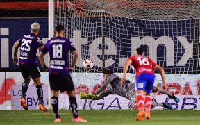 Werner atajó el penalti a Canelo. Foto: Mexsport