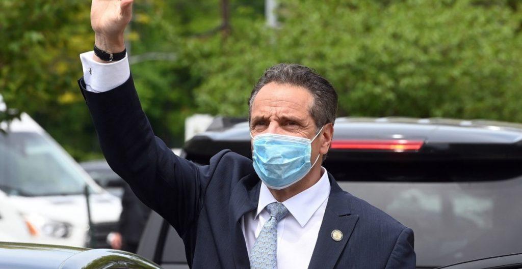 Suman cinco mujeres que acusan al gobernador de Nueva York por acoso
