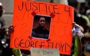 Inmovilización de Chauvin al cuello de Floyd no está autorizada por la policía, revelan en juicio
