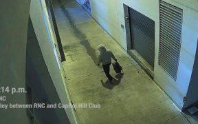 FBI publica video de sospechoso que plantó bombas en comités republicano y demócrata