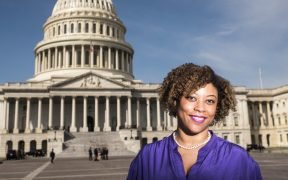 """Shalanda Young es una """"candidata muy seria"""" para dirigir la Oficina de Gestión y Presupuesto: Casa Blanca"""