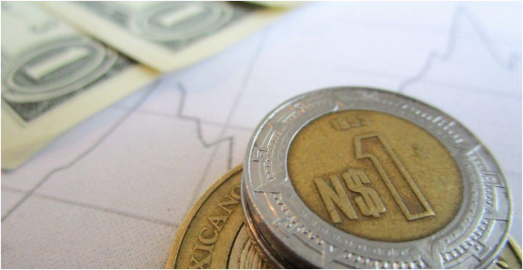 Fed da alivio al tipo de cambio; dólar baja a 20.13 pesos en bancos