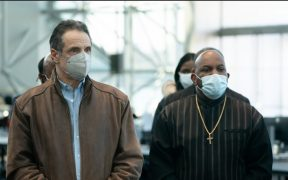 Encargado de vacunación contra Covid en NY pone a prueba lealtad de ejecutivos hacia Andrew Cuomo: Washington Post