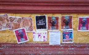 Feministas pintan consignas contra Félix Salgado en Guerrero; su equipo de campaña lo borra antes de su mitin