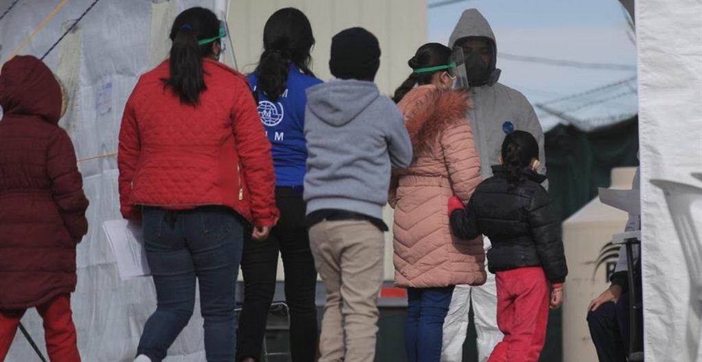 Más de la mitad de los 19 mil niños sin hogar en Los Ángeles son latinos; crean campaña bilingüe de adopción