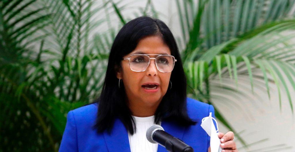 """Venezuela no autorizará la vacuna AstraZeneca por sus """"efectos"""" en pacientes"""