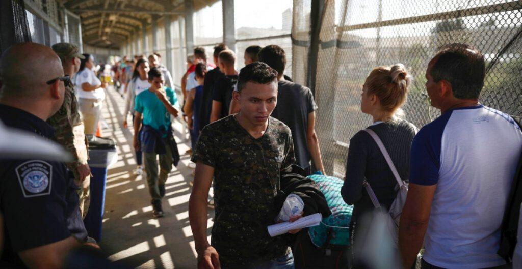 Nueva York aprueba fondo de 2 mil mdd para migrantes afectados durante la pandemia de la Covid-19