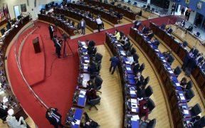 Allanan Asamblea Legislativa de El Salvador por posible corrupción