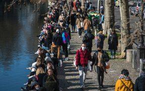 Hospitalizados por la Covid-19 en Francia reputan a ritmo acelerado; médicos prevén nuevo pico