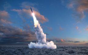 """Irán dice que seguirá avanzando """"con fuerza"""" en sus programas de misiles"""