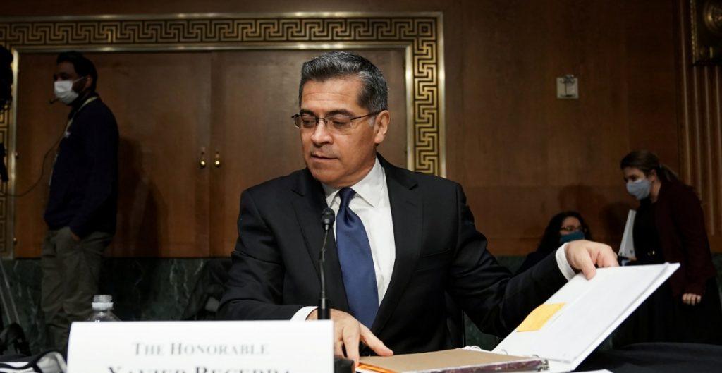Xavier Becerra, el hijo de inmigrantes mexicanos que se convirtió en el primer secretario de salud de EU