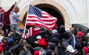 FBI publica videos de ataques contra oficiales durante asalto al Capitolio
