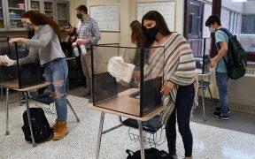 Los CDC permiten que alumnos estén a un metro de distancia en escuelas