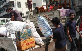 Trabajadores ferroviarios en Birmania desalojan sus hogares tras amenazas del gobierno