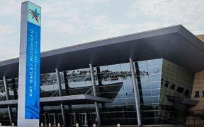 Habilitan Centro de Convenciones de Dallas para acoger a menores migrantes