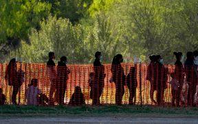 La ola de migrantes a Estados Unidos pone a Biden contra las cuerdas