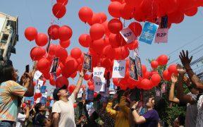 Liberan en Birmania a periodista de la BBC; van 40 comunicadores detenidos