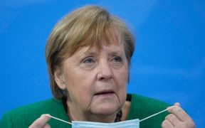 """Alemania extiende confinamiento por repunte de coronavirus; es una """"nueva pandemia"""", advierte Merkel"""