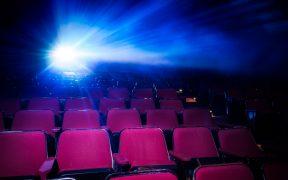 En los cines las películas se exhibirán siempre en su idioma original y con subtítulos en español