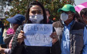 """AMLO acusa campañas de manipulación para """"echarles encima"""" a médicos privados que exigen ser vacunados"""