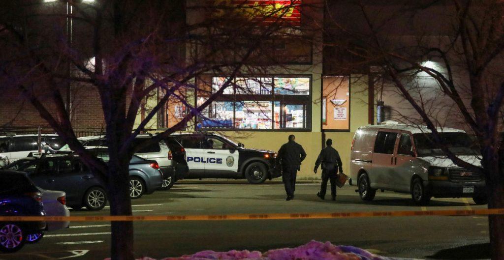 Sospechoso del tiroteo en supermercado de Colorado enfrenta 10 cargos de asesinado en primer grado