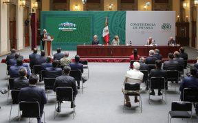 Gobernadores firman a puerta cerrada acuerdo electoral de AMLO