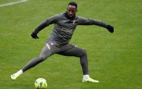 Dembélé sufrió una bajada tensional leve, según el cuerpo médico del Atlético. Foto: EFE