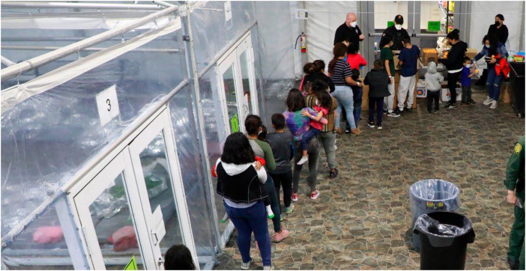 Número de niños migrantes en la frontera alcanza su máximo histórico en marzo