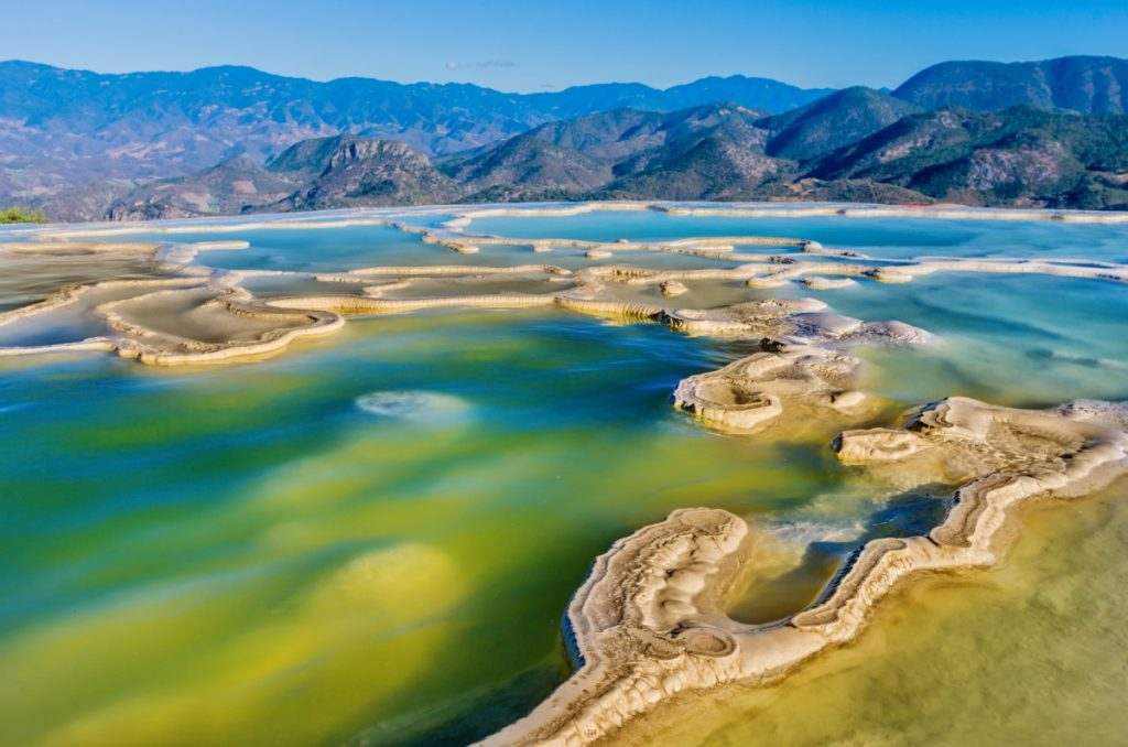 Cierran Hierve el Agua a turismo nacional e internacional