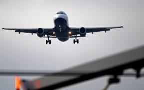 Argentina cancela vuelos provenientes de México, Chile y Brasil por Covid-19