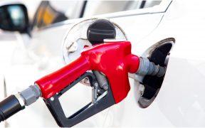 """Gasolineras sin orden, venden """"la premium"""" hasta 12% más caro que el promedio nacional, de acuerdo con cifras de Profeco"""