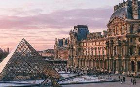 Descubre las colecciones del Museo de Louvre sin viajar a París