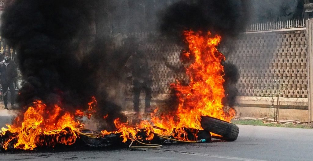 """Estados Unidos condena matanza en Birmania y el """"reinado de terror militar"""""""