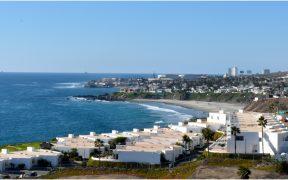 Cofepris declara a cinco playas mexicanas no aptas para uso recreativo por bacteria en el agua