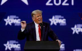 """Trump dice que Fauci reinventa los hechos para """"encubrir"""" sus errores"""