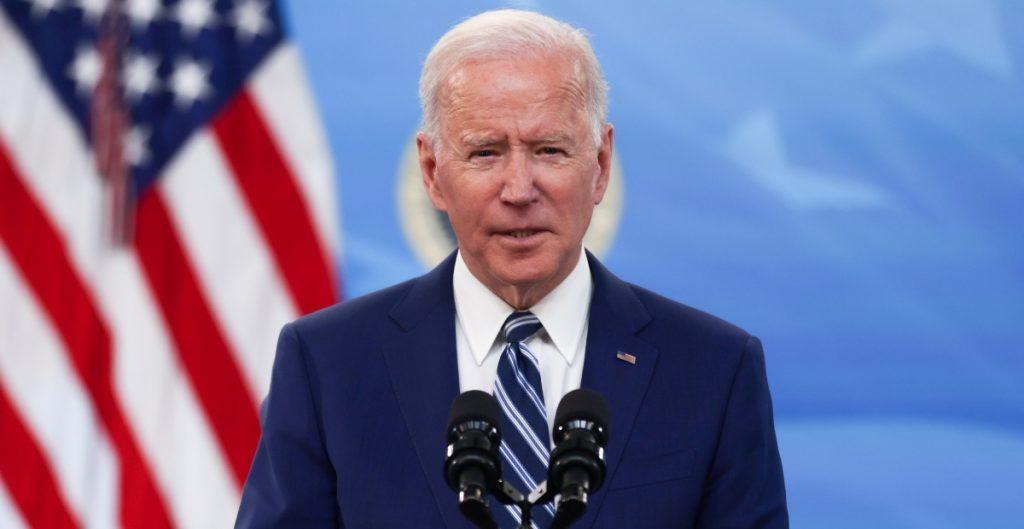 Biden espera la aprobación en verano de su plan de infraestructura que costaría más de 3 bdd en impuestos