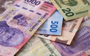 Peso pierde por fortaleza del dólar; BMV pierde el ímpetu en inicio de sesión