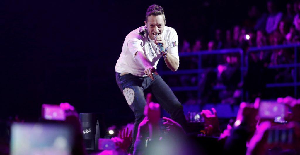 ¡Sí habrá festival de Glastonbury! Pero será virtual. Coldplay forma parte del cartel