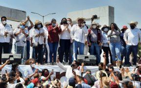 Félix Salgado en su marcha pide juicio político contra consejeros del INE