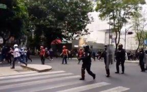 Protestan en Paseo de la Reforma por el asesinado de Victoria