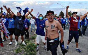 Aficionados de Cruz Azul hicieron una caravana en Ciudad Juárez. Foto: Diario Récord