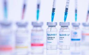 Instituto Gamaleya responde al contagio de Fernández, quien recibió su vacuna contra Covid