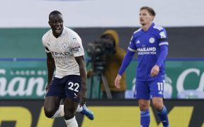 Benjamin Mendy celebra su gol frente al Leicester. Foto: Reuters